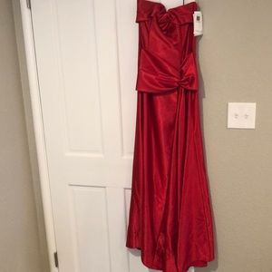 Jessica McClintock Red Evening Gown